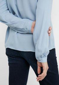Filippa K - ADELE BLOUSE - Button-down blouse - frosty blu - 3