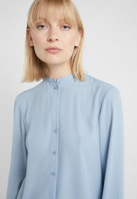 Filippa K - ADELE BLOUSE - Button-down blouse - frosty blu - 5