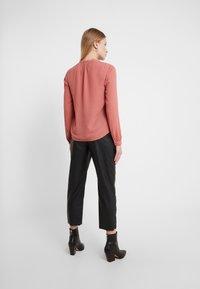 Filippa K - ADELE BLOUSE - Button-down blouse - pink cedar - 2