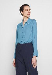 Filippa K - MARIELLE - Camisa - blue heaven - 0