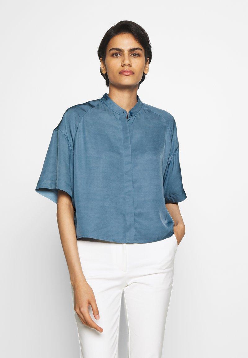 Filippa K - TAMMY - Camisa - blue heave