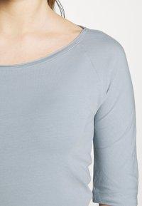 Filippa K - BALLERINA SLEEVE  - Camiseta básica - dove blue - 5