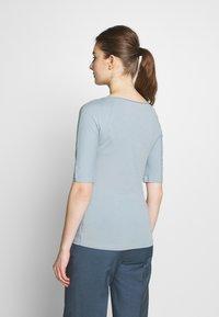 Filippa K - BALLERINA SLEEVE  - Camiseta básica - dove blue - 2