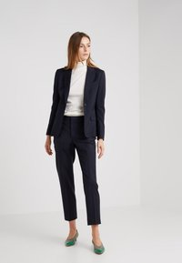 Filippa K - SASHA COOL - Blazer - dark navy - 1