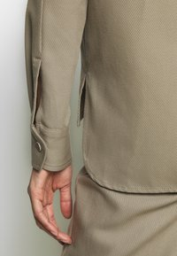 Filippa K - HANNA JACKET - Summer jacket - khaki - 6