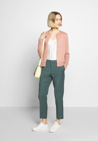 Filippa K - Vest - antique rose - 1