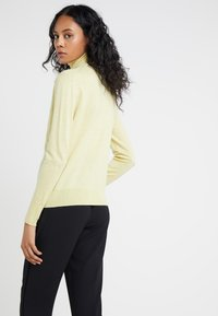 Filippa K - Jumper - wax - 2