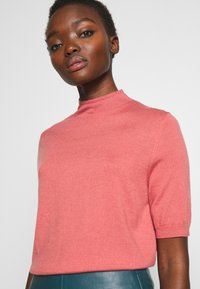 Filippa K - EVELYN - Basic T-shirt - pink cedar - 4