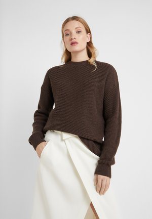 REBECCA SWEATER - Strikkegenser - dark oak