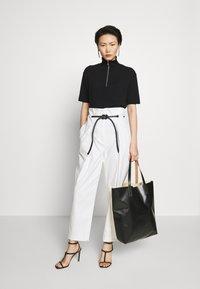 Filippa K - TERRIE - Print T-shirt - black - 1