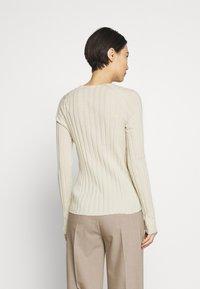 Filippa K - WENDY - Sweter - faded yell - 2
