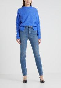 Filippa K - VICKY WASHED - Jeansy Slim Fit - mid blue - 0