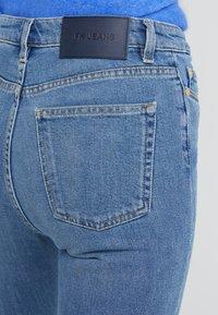 Filippa K - VICKY WASHED - Jeansy Slim Fit - mid blue - 4