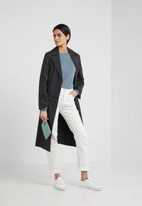 Filippa K - TAYLOR JEAN - Jeans Slim Fit - white - 1