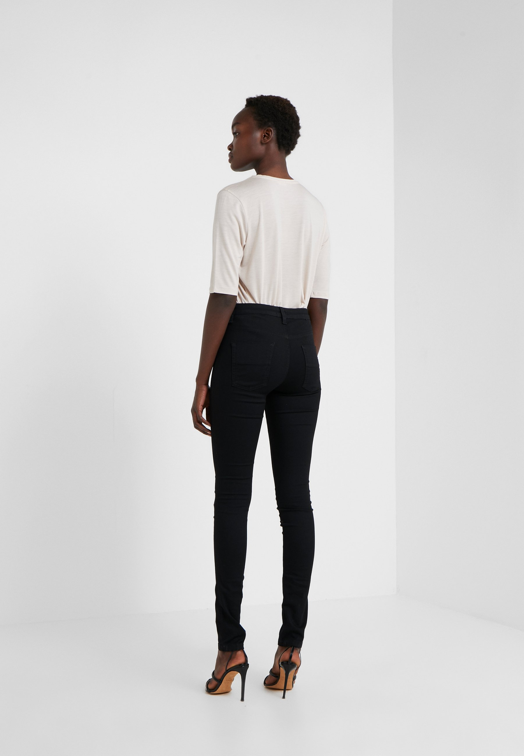 K Skinny Black Super Filippa StretchJeans Lola kn0wOP