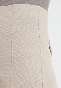 Filippa K - Shorts - light taupe - 4