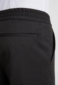 Filippa K - TERRY GABARDINE CROPPED PANTS - Bukse - dark mole - 5