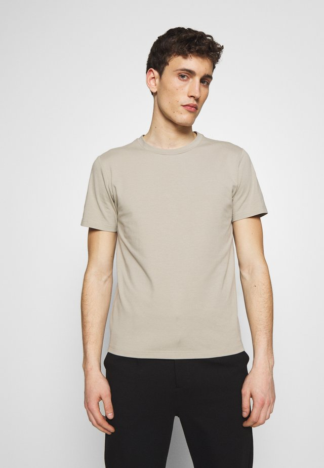 TEE - T-shirt - bas - light sage