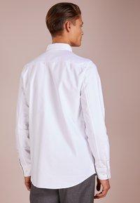 Filippa K - TIM OXFORD - Chemise - white - 2