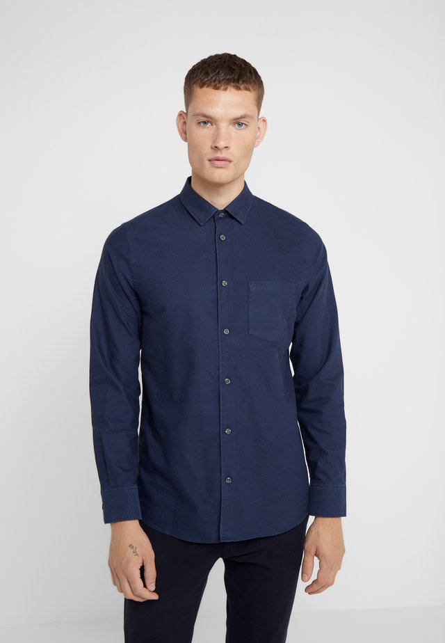 TIM OXFORD SHIRT - Skjorta - deepwater