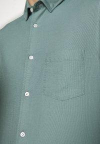 Filippa K - TIM  - Skjorter - mint powder - 4