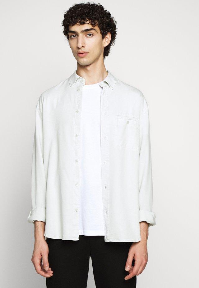 ZACHARY - Skjorter - faded aqua