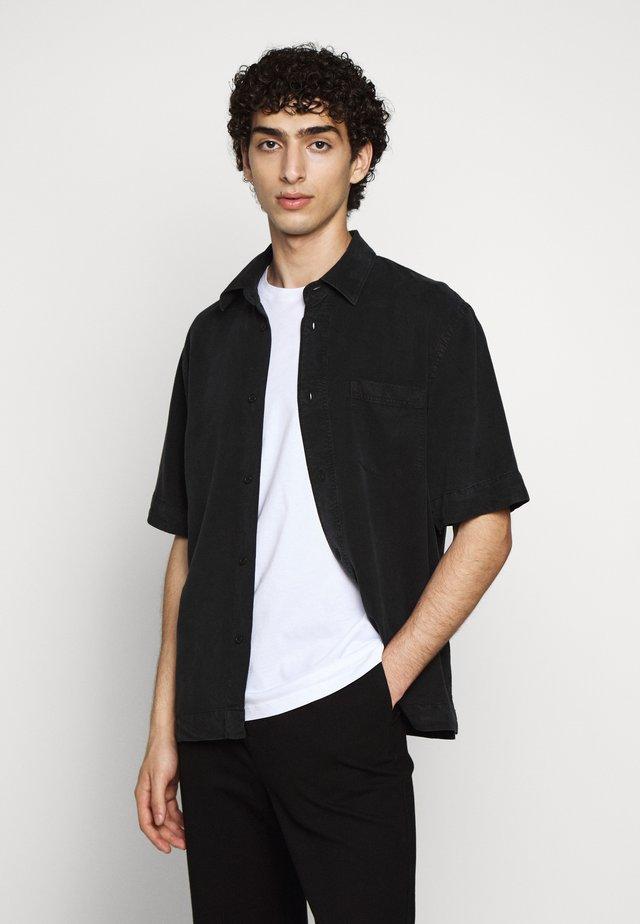 OWEN - Skjorter - almost black