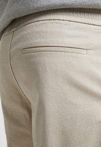 Filippa K - TERRY - Shorts - khaki - 4