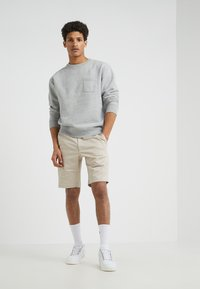 Filippa K - TERRY - Shorts - khaki - 1
