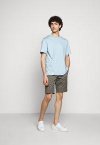 Filippa K - TERRY  - Shorts - green grey - 1
