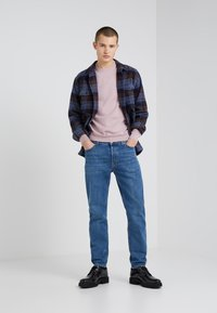 Filippa K - BYRON WASHED JEANS - Straight leg jeans - mid blue - 1