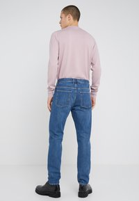 Filippa K - BYRON WASHED JEANS - Straight leg jeans - mid blue - 2