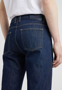 Filippa K - BYRON RAW - Jean droit - dark blue - 4
