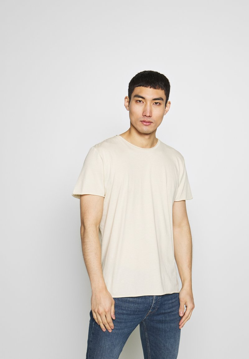 Filippa K - ROLLNECK - T-shirt basic - almond white