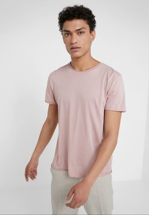 ROLL NECK TEE - T-shirts - melrose