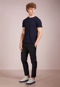 Filippa K - ROLL NECK TEE - T-shirts - navy - 1