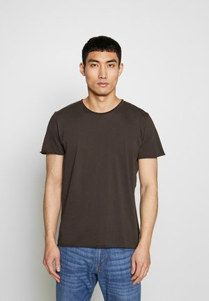 ROLL NECK TEE - T-shirt basic - dark oak
