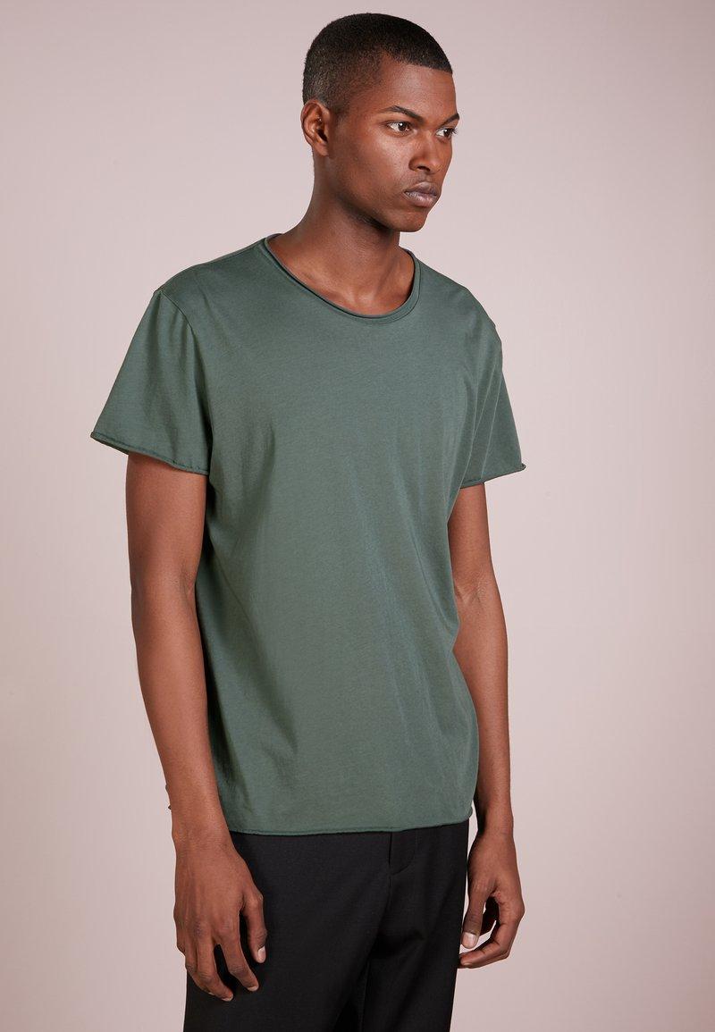 Filippa K - ROLL NECK TEE - T-Shirt basic - stone green