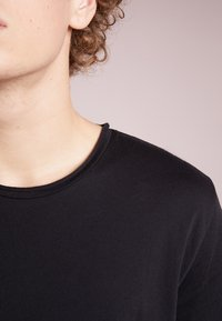 Filippa K - ROLLNECK - T-shirts basic - black - 4