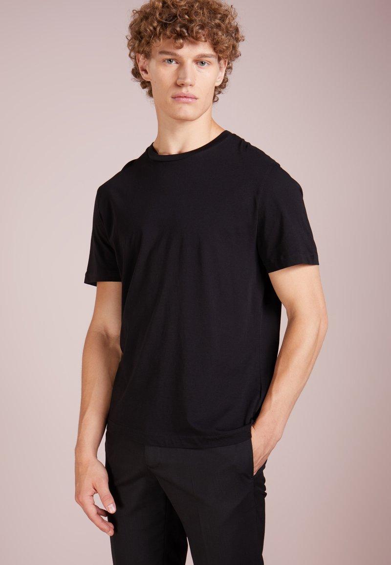 Filippa K - SINGLE REGULAR TEE - Basic T-shirt - black