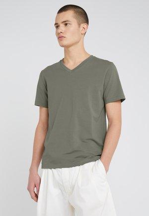 V NECK TEE - T-shirts basic - platoone