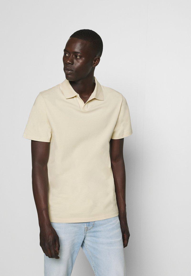 Filippa K - SOFT - Polo shirt - almond white