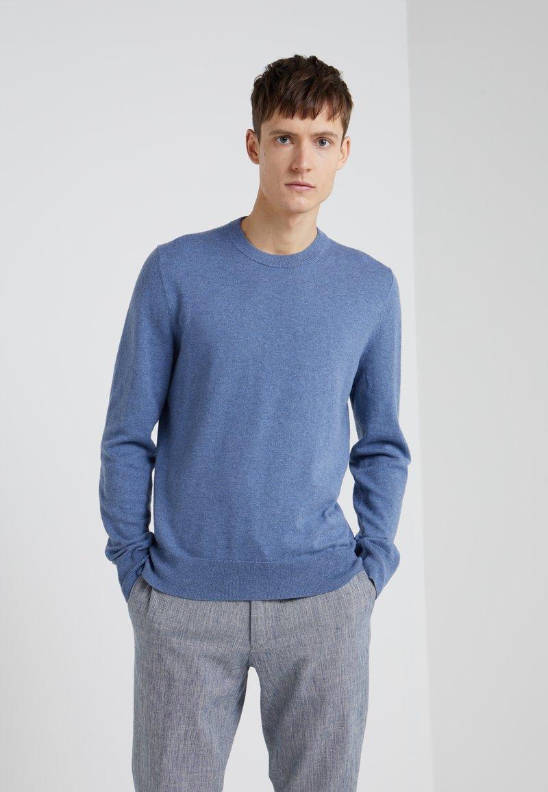 Filippa K - BASIC SWEATER - Strickpullover - paris blue