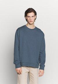 Filippa K - ISAAC - Sweatshirt - blue grey - 0