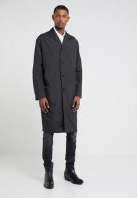 Filippa K - LUCIEN FRONT RUNNER COAT - Zimní kabát - black - 0