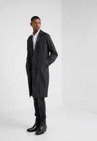 Filippa K - LUCIEN FRONT RUNNER COAT - Zimní kabát - black - 2