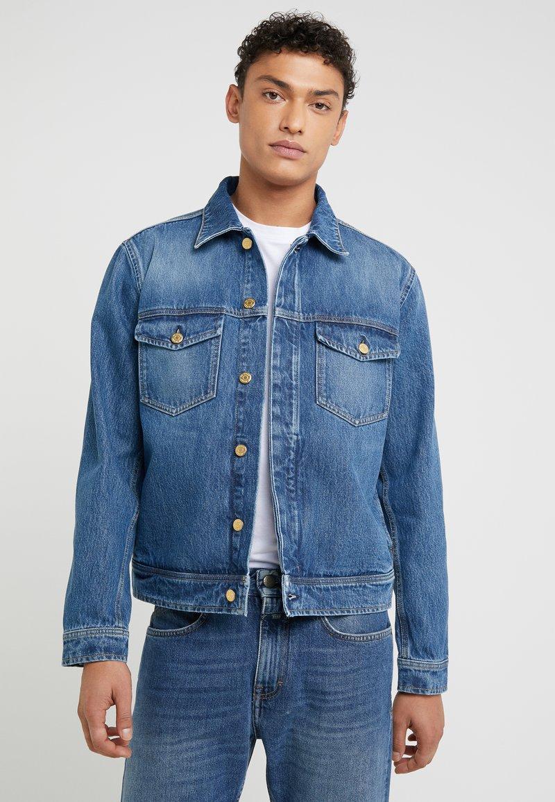 Filippa K - LEO WASHED JACKET - Denim jacket - mid blue