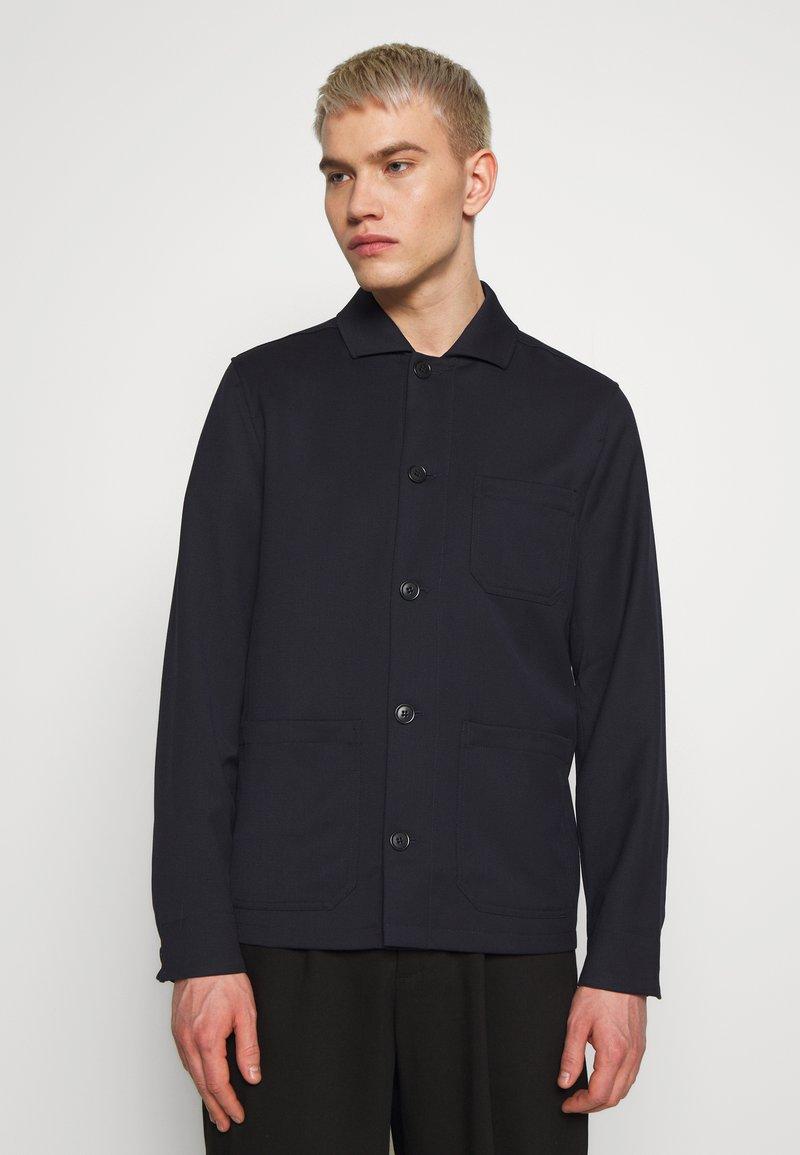Filippa K - LOUIS GARBADINE JACKET - Summer jacket - navy