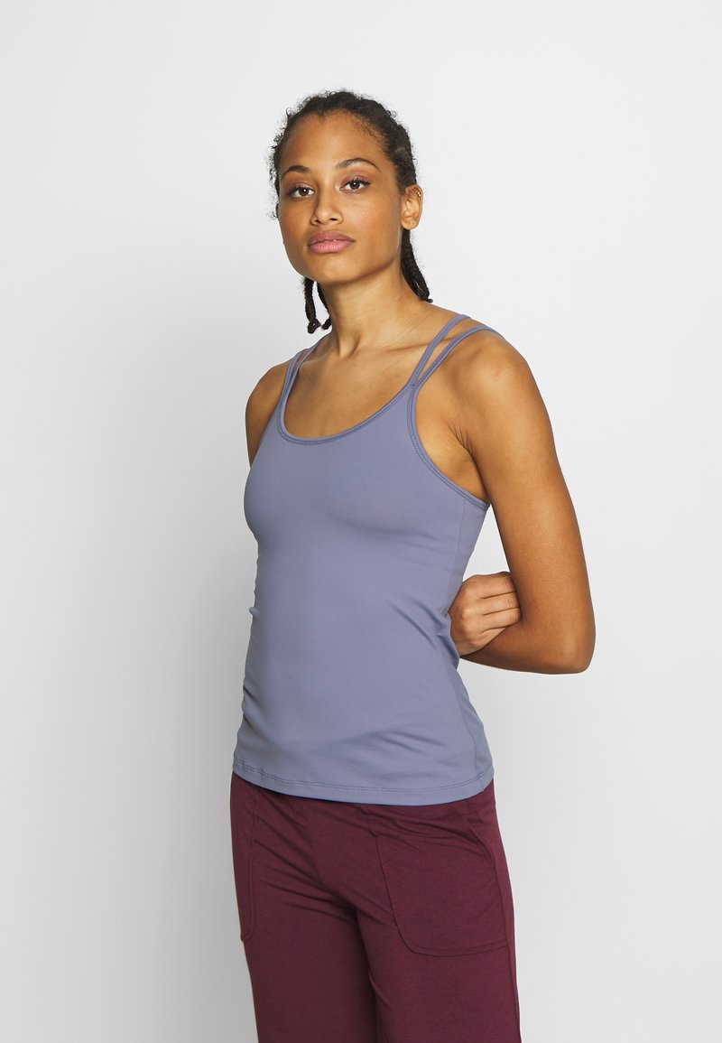 Filippa K - CROSS BACK YOGA - Top - fog blue