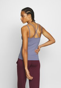 Filippa K - CROSS BACK YOGA - Top - fog blue - 2